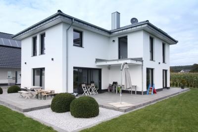 Neubau eines Einfamilienhauses mit Garage
