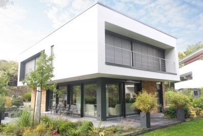 Neubau eines Wohnhauses mit Carport und Geräteraum